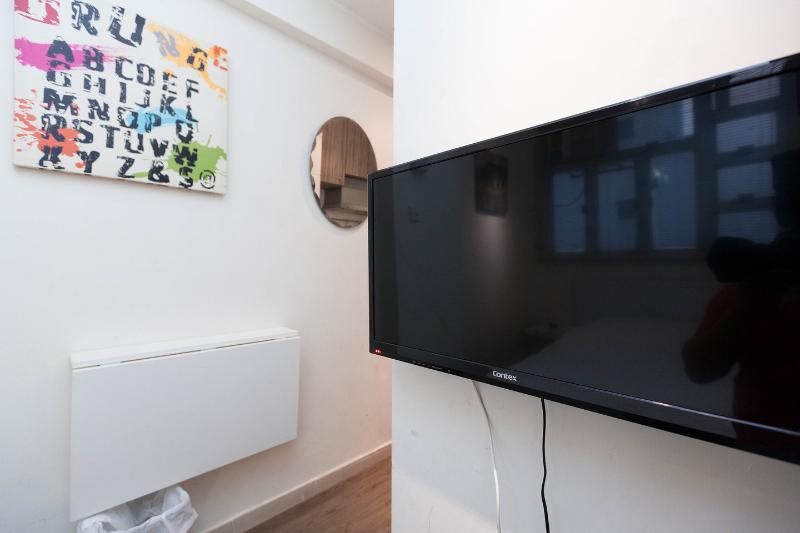 Budget serviced apartment TV hong kong