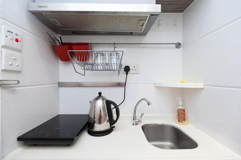 Budget serviced apartment kitchen hong kong